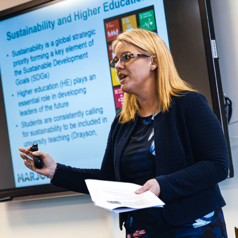 PhD supervisor gives a talk about Sustainability